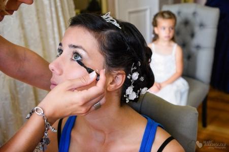 Hochzeitsvorbereitungen im Schloss Steinhöfel fotografiert vom Hochzeitsfotograf Berlin Marc Birkhoelzer www.hochzeitsaufnahmen.com