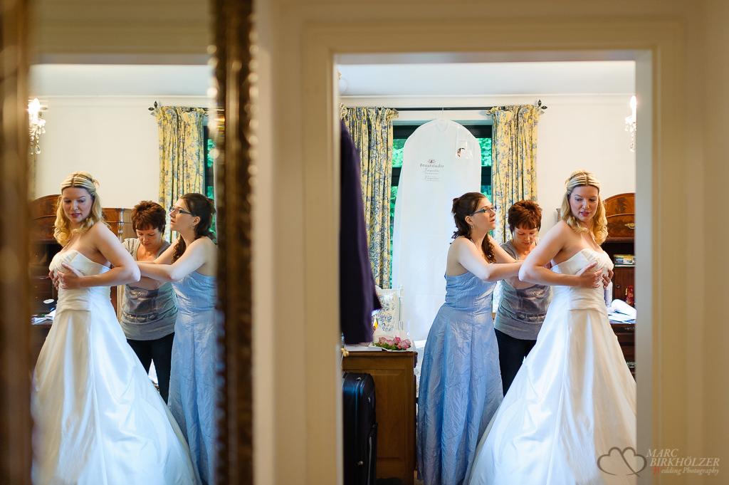 Vorbereitungen im Gut Klostermühle Alt Madlitz fotografiert vom Hochzeitsfotograf Berlin Marc Birkhoelzer www.hochzeitsaufnahmen.com