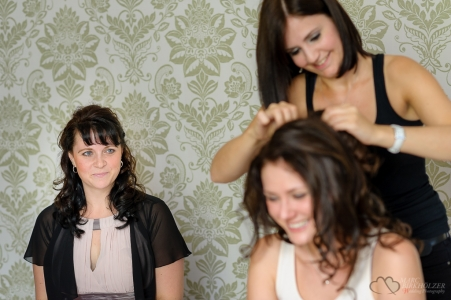 Brautvorbereitungen in der Alten Pulverfabrik Spandau fotografiert vom Hochzeitsfotograf Berlin Marc Birkhoelzer www.hochzeitsaufnahmen.com