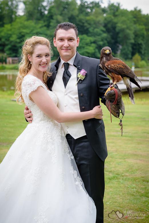 Adler mit Brautpaar
