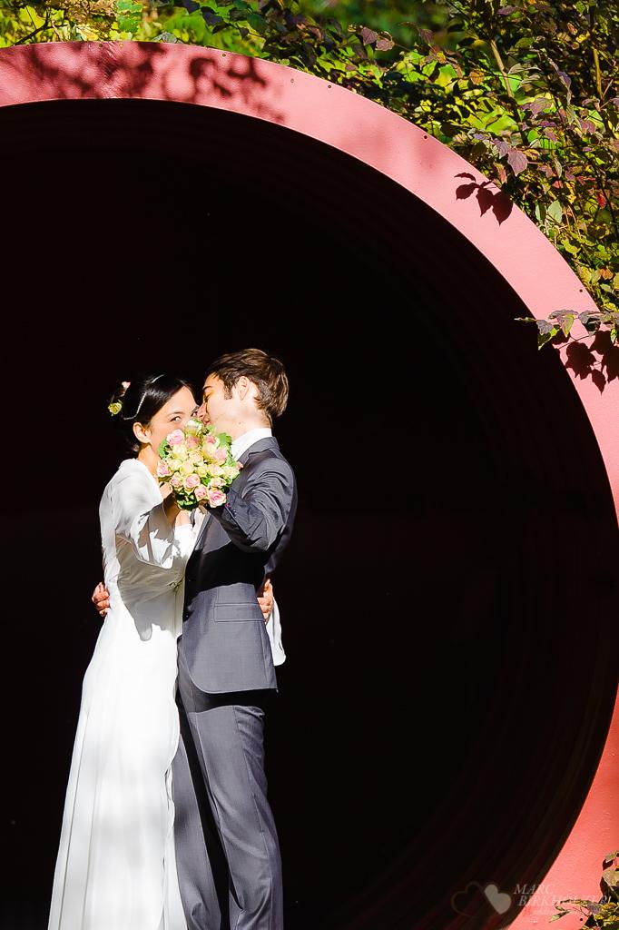 Hochzeitsfotografie im Natur-Park Schöneberger Südgelände aufgenommen nach der Trauung vom Hochzeitsfotograf Berlin Marc Birkhoelzer www.hochzeitsaufnahmen.com