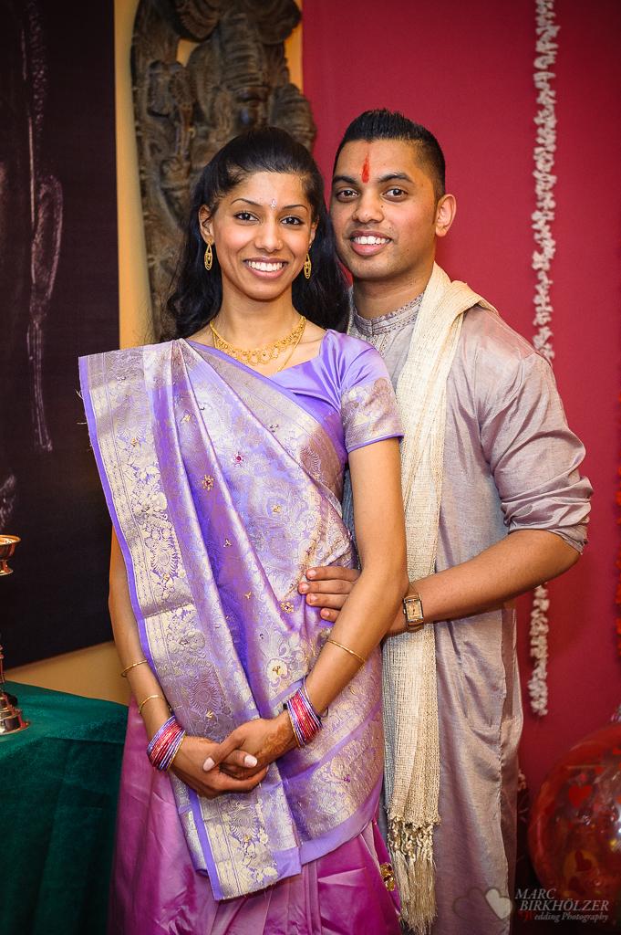 Traditionelle indische Hochzeit im Standesamt Berlin Neukölln aufgenommen vom Hochzeitsfotografen Berlin Marc Birkhoelzer www.hochzeitsaufnahmen.com