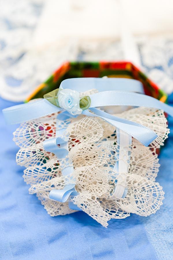 Strumpfband der Braut fotografiert vom Hochzeitsfotos Berlin Marc Birkhoelzer www.hochzeitsaufnahmen.com