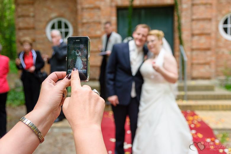 Hochzeitsfotograf-Berlin-Marc-Birkhoelzer-Gästefoto-001
