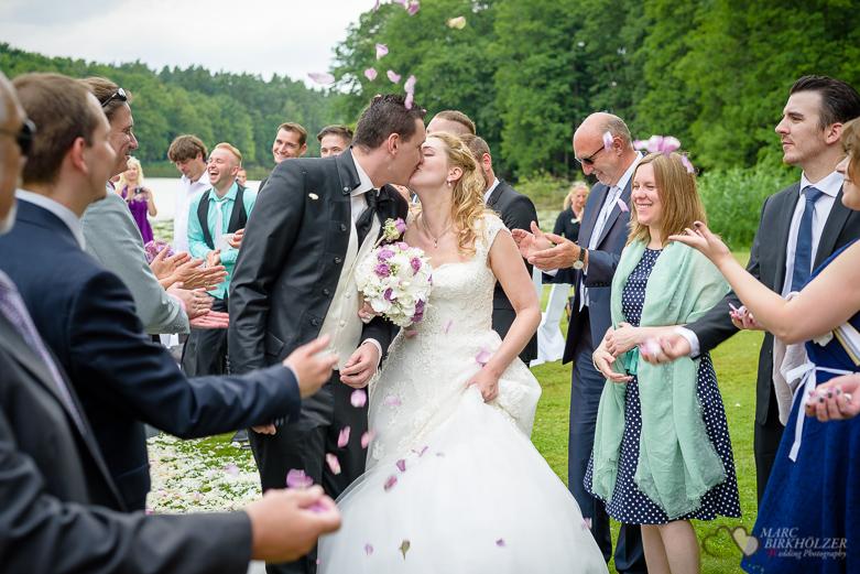 Hochzeitskuss im Gut Klostermühle