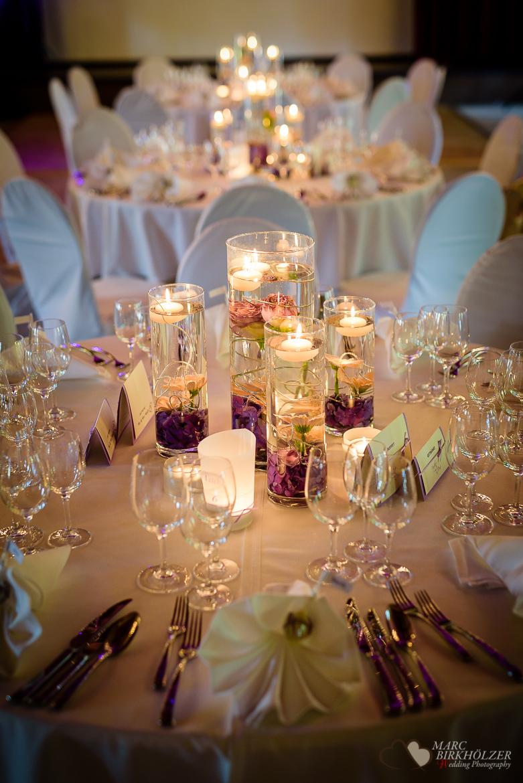 Tischdeko bei einer Hochzeitsreportage durch den Hochzeitsfotografen Berlin Marc Birkhoelzer www.hochzeitsaufnahmen.com im Gut Klostermühle in Alt Madlitz